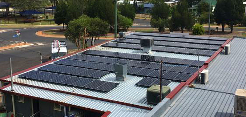 Flat renewable energy panels on roof of Foodworks in Queensland
